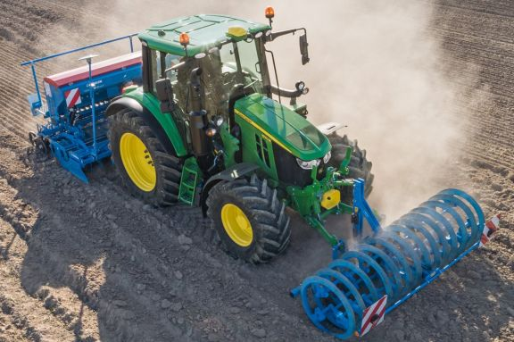 John Deere Release New 6M Range of Tractors