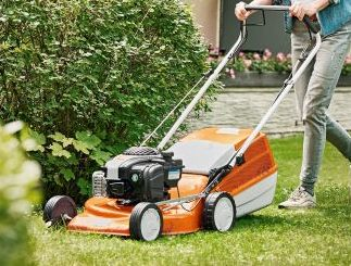Why are Stihl 2 Series Petrol Lawn Mowers Ideal for Medium Sized Gardens?