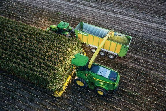 John Deere Tractors & Forage Harvesters Take The Lead