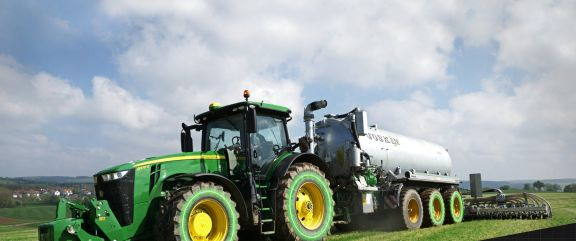 John Deere Announces a world first in Stepless Transmissions